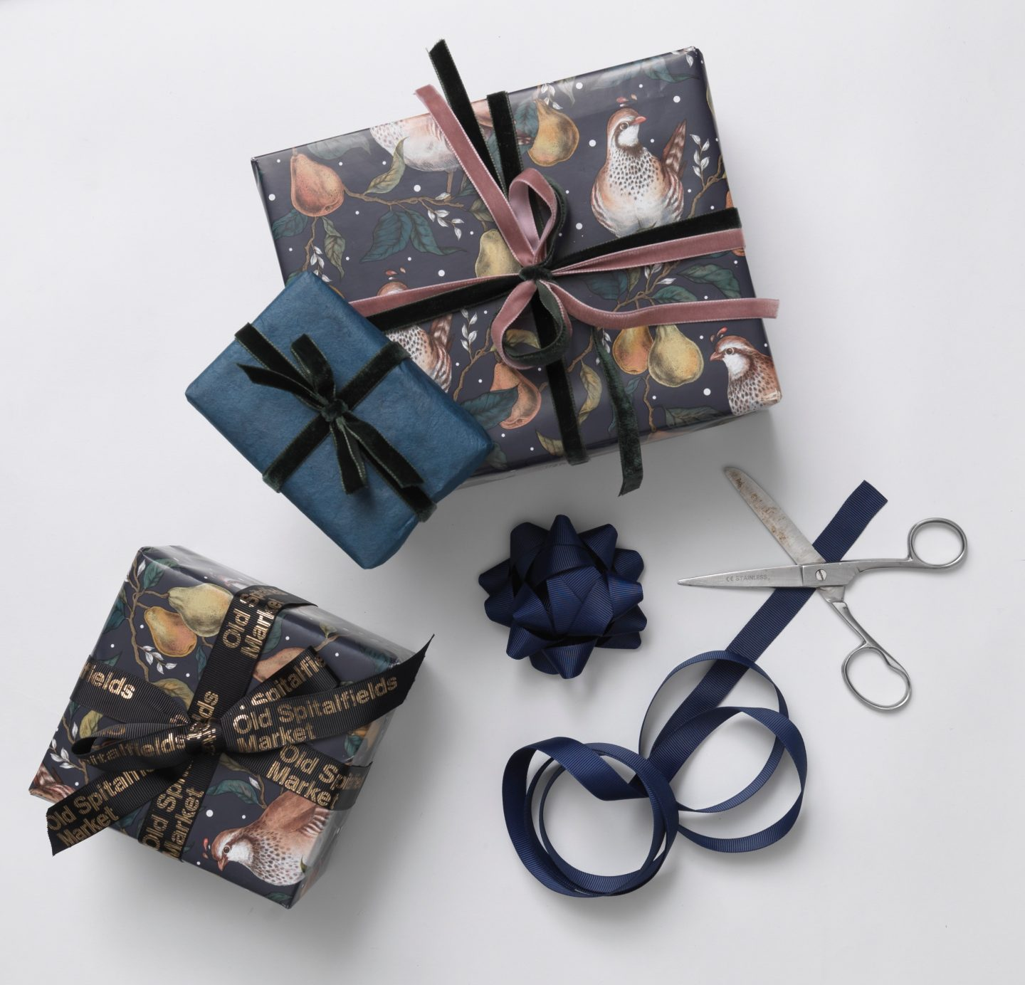 Christmas Gift Wrapping Station.Christmas Gift Wrapping With Inspitalfields